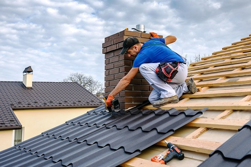 Common Issues faced by the Commercial Owners During Commercial Roof Repairs