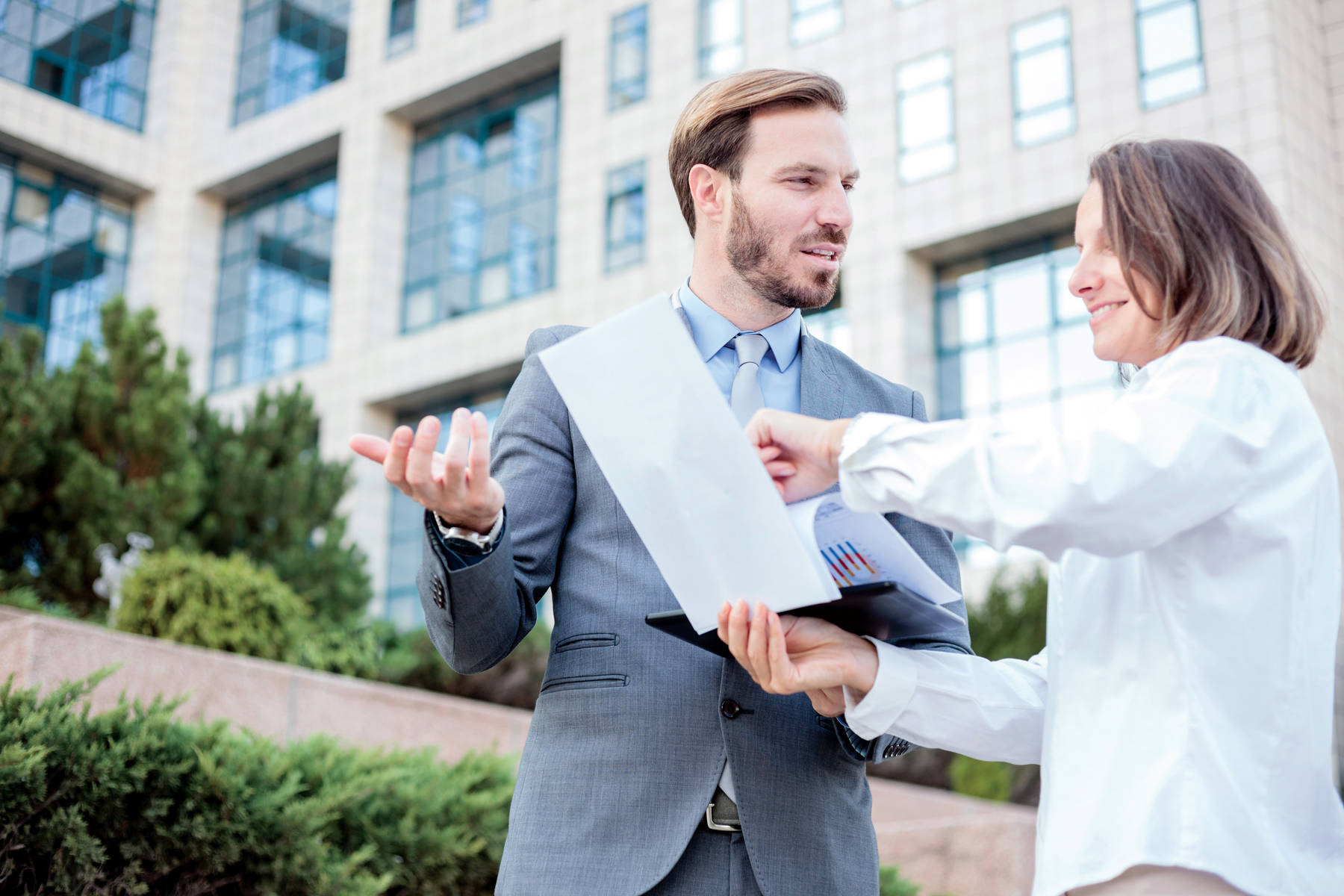 Know These Facts To Know Your Real Estate Agents Better